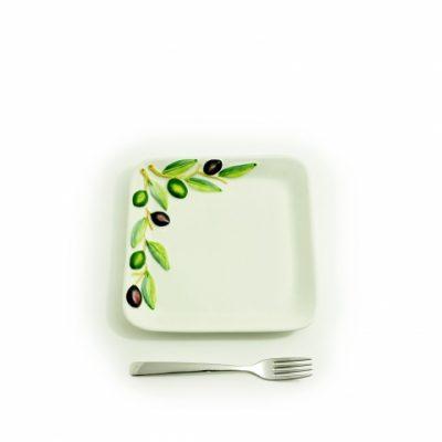 piatto-quadrato-piccolo-olive-1